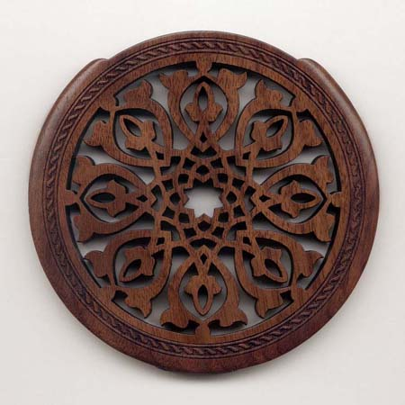 01 walnut with classic rosette